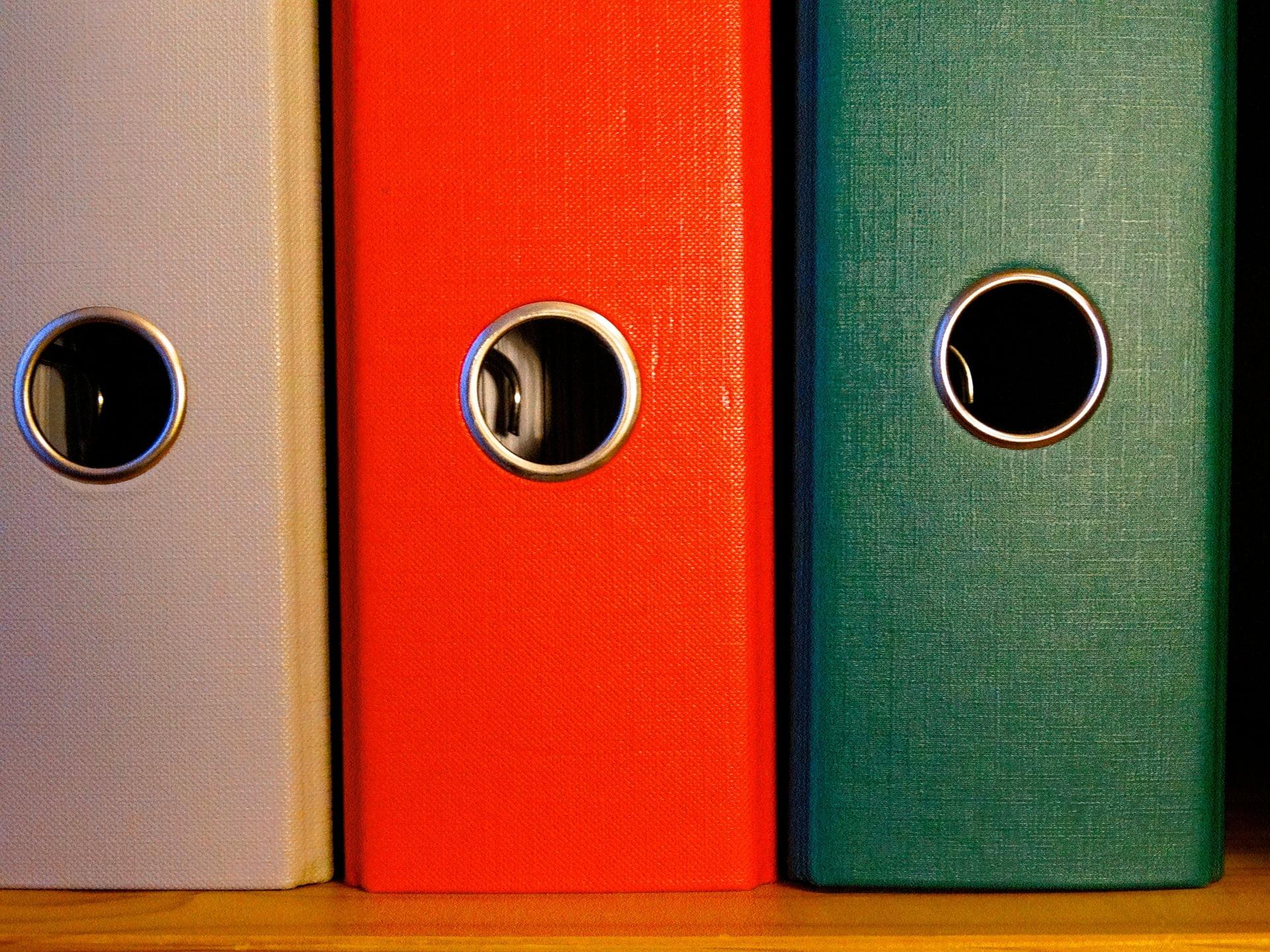 Cum ne ajută bibliorafturile să avem mereu ordine în biblioteca?