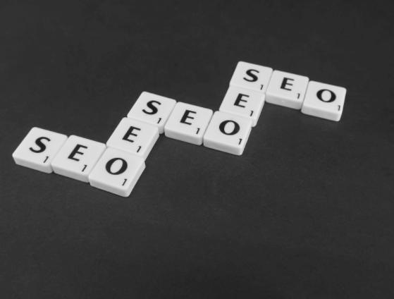 Consolidarea prezenţei online – posibilă prin colaborarea cu o agenţie SEO