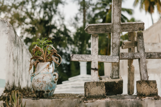 Cum alegi cea mai bună firmă de servicii funerare?
