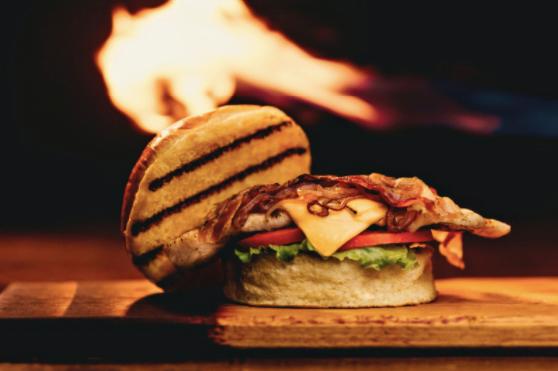 Istoria burgerilor- preparatul culinar preferat al milioanelor de oameni din întreaga lume