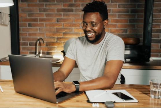 Avantajele angajării unei agenții de marketing online