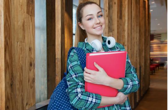 Cum îți poți suplimenta veniturile în timpul facultății? 5 joburi recomandate