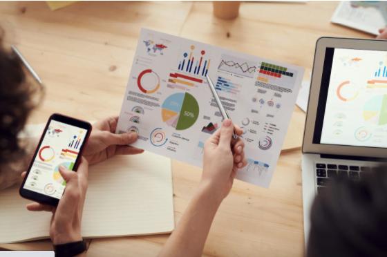 Cum să devii analist de afaceri și care sunt principalele funcții ale acestui job?