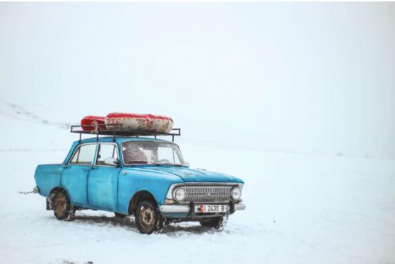 Cum să ai grijă de bateria unei mașini pe timp de iarna?