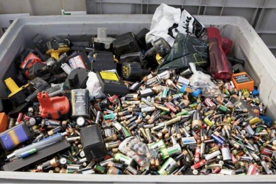 Care sunt cele mai importante tipuri de deşeuri periculoase şi cum afectează mediul înconjurător?